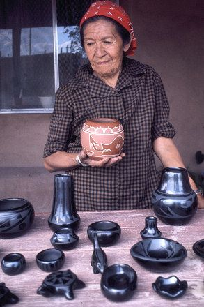 Santa Clara Pueblo pottery-The pueblo is a member of the Eight Northern Pueblos, and the people are from the Tewa ethnic group of Native Americans who speak the Tewa language. The pueblo is on the Rio Grande