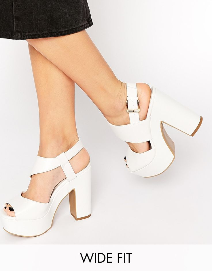 Image 1 of New Look Wide Fit Tipsy White Heeled Sandals