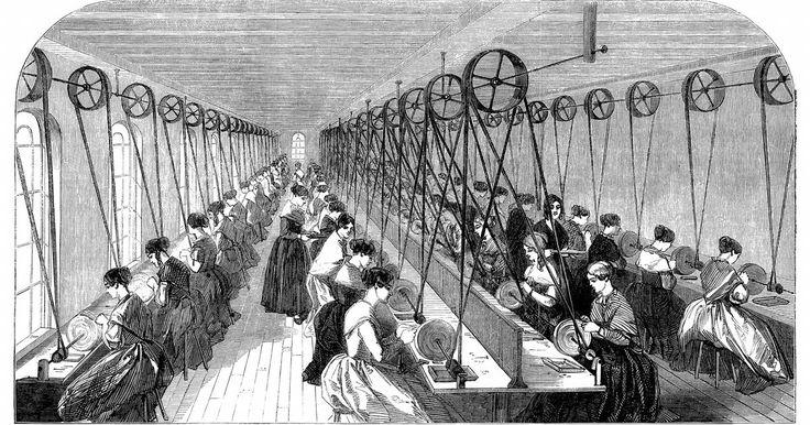 Lista de invenciones de la Revolución Industrial . La Revolución Industrial, que data de finales del siglo 17 hasta mediados del siglo 19, alteró el curso del transporte, la comunicación, la industria manufacturera y la agricultura en el mundo. Este rápido crecimiento y el cambio socioeconómico fue impulsado por numerosas invenciones, como el teléfono y línea de montaje. Las invenciones de la ...