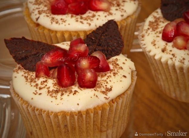 Kawowe muffinki z czekoladą i granatem