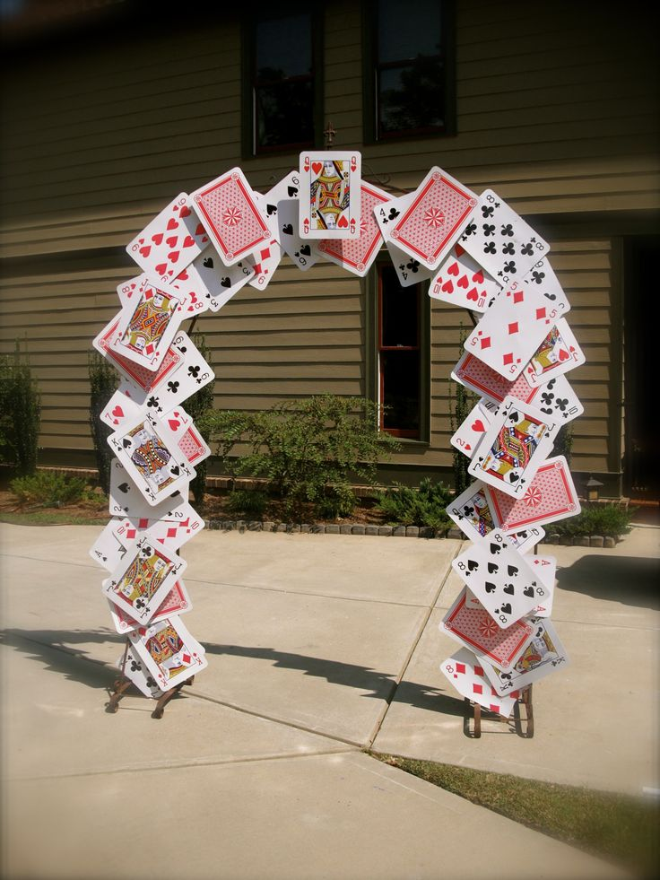 Card arch for Alice in Wonderland party