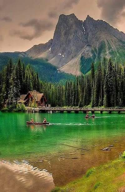 Emerald Lake - Canada Peaceful and lovely ...... Emerald Lake is located in…