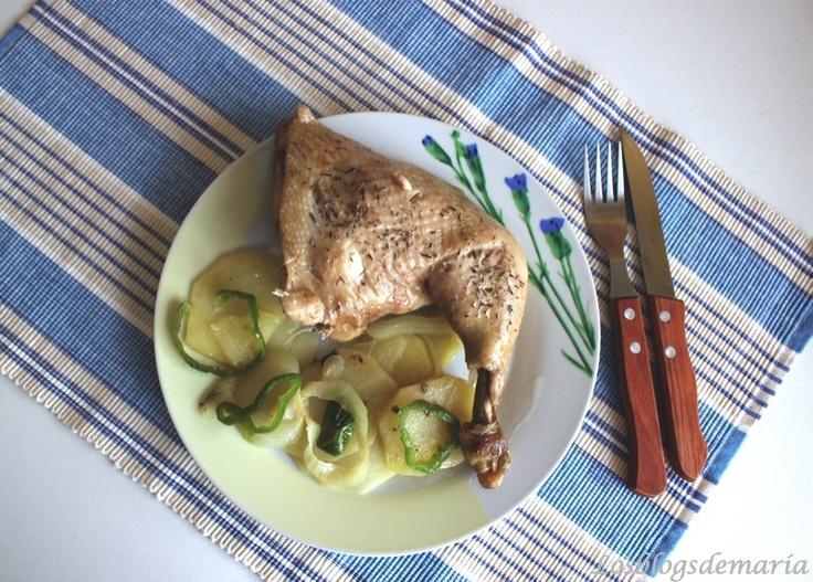 Pollo con verduras en el horno solar