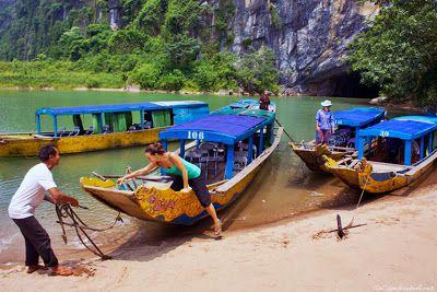 http://www.vietnamitasenmadrid.com/dong-hoi/parque-phong-nha-ke-bang.html Parque nacional Phong Nha-Ke Bang En pleno centro de Vietnam tenemos el parque natural que más records ostenta del país y también del mundo...