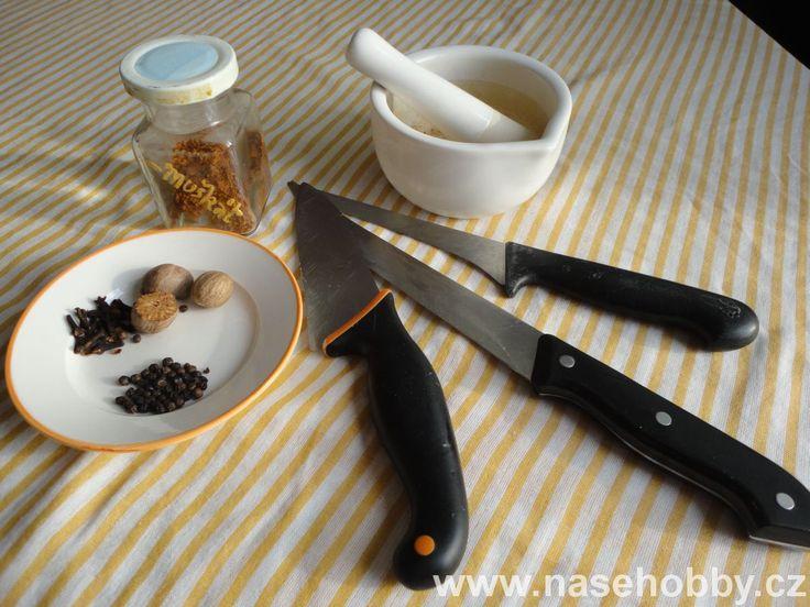 koření a nože
