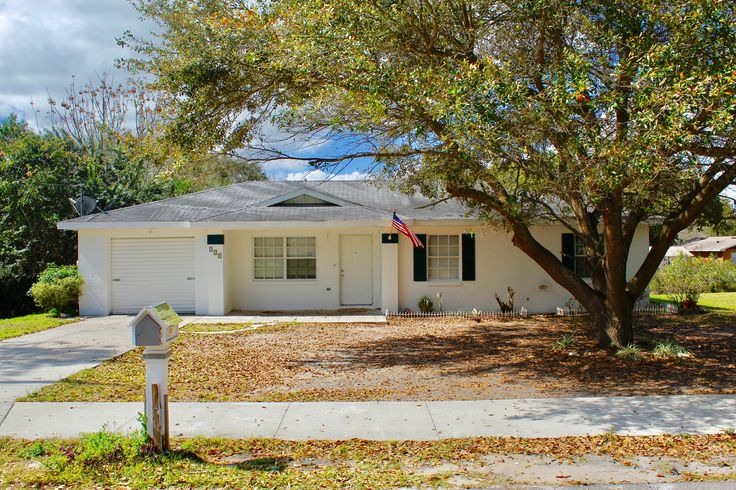 355 S Pennsylvania Ave, Lake Alfred, FL 33850 Back on Market for $139,900 4 Bedrooms,1 Bath For more information, contact the office at 863-294-6773.  #ForSale #RealEstate #TheButlerTeam