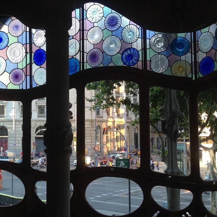 #instagramele #famoso  Este es el interior de un famoso edificio de Gaudí. Cuál es? #gaudi #arquitectura #modernismo #barcelona #barna #bcn
