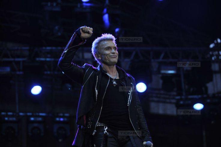 Billy Idol a sustinut un concert de exceptie in Piata Unirii din Cluj