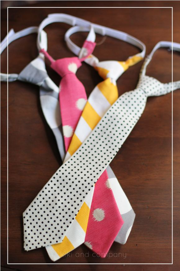 Handmade ties with a free template! These look cute and easy to make!