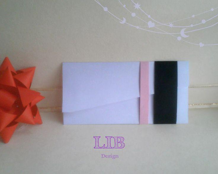 Modelo: Sobre Rectangular Ala Triangular. Orientación: Horizontal. ¡Pequeños Detalles hechos por Gente Grande y Divertida! ¡Conoce más de nosotros! Packaging ~ Twitter: LetItBeBox ~ Facebook: LetItBeBox