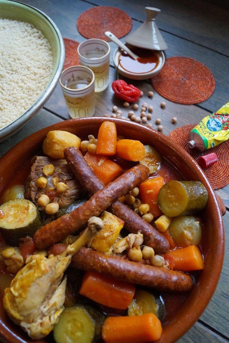 """Direction le Maghreb   Vous êtes nombreux à me demander de poster de temps en temps des recettes de """"basiques"""".  Le couscous en est un exe..."""