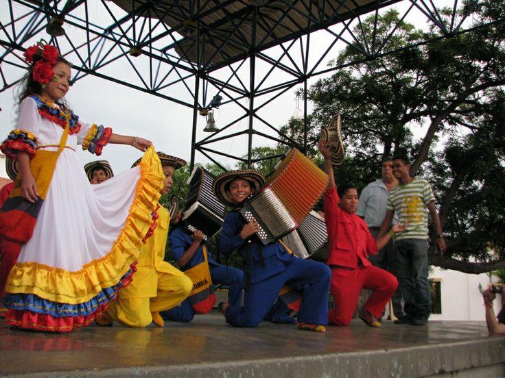 """(IMAGENES) VALLEDUPAR, DEPARTAMENTO DEL CESAR, COLOMBIA - VALLENATO. La academia de música Vallenata Andrés """"El Turco' Gil , Valledupar- Colombia . Provincia Hostel, Valledupar Colombia."""