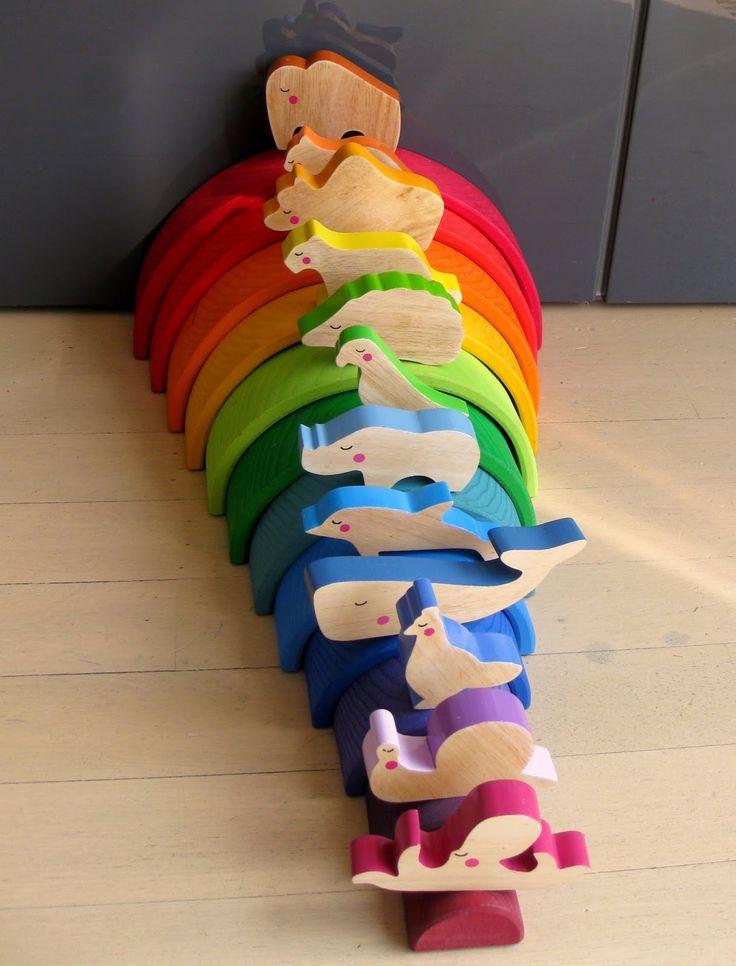 kleuren sorteren met de houten regenboog en de dieren van cheekeyes