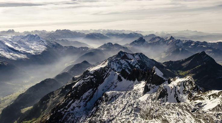 Mendiak, elurra eta lanbroa (Mountains, snow and fog)