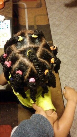 Simple hairstyle for the little one