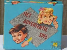 Advertentiespel. Veel gespeeld vroeger!  Het draait erom met meerdere kaartjes een lachwekkende advertentie uit te leggen. Wat hebben we hier om gelachen!
