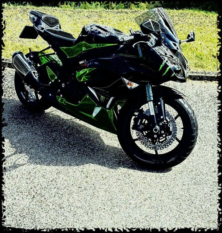 Kawasaki old bike of my boyfriend 😍💚