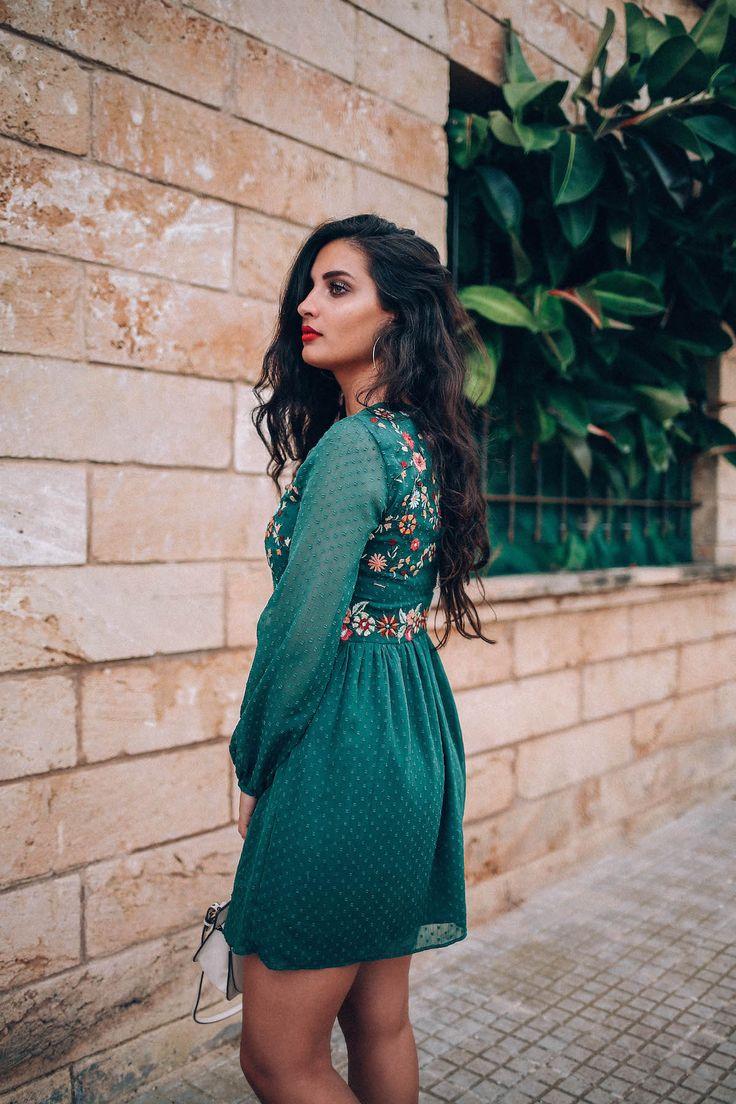besticktes-Kleid-merna-mariella-fashion-blogger-green-dress-germanblogger