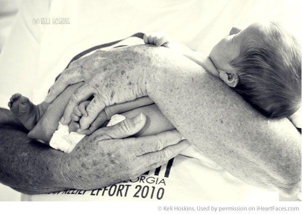 Grandparents Photography Ideas via iHeartFaces.com - Lifestyle Photography by Keli Hoskins
