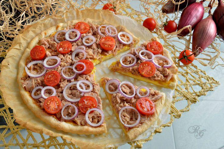 Torta salata al tonno e cipolla rossa