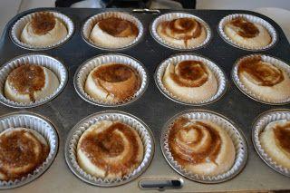 Mom's Fridge: Secret Recipe Club: Cinnamon Roll Muffins