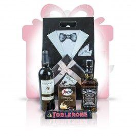 """Gentlemans Blend  Un cadou deosebit, Gentleman's blend, combina spiritul unui Jack autentic, cu bogatia unui expresso italian de calitate si aroma vinului rosu Chianti. Pralinele belgiene, impreuna cu ciocolata amaruie fac ca Gentleman's blend sa fie nu doar un """"multumesc"""" delicios ci si un cadou business perfect.  #cosuri #cadou #business #whiskey #vin"""