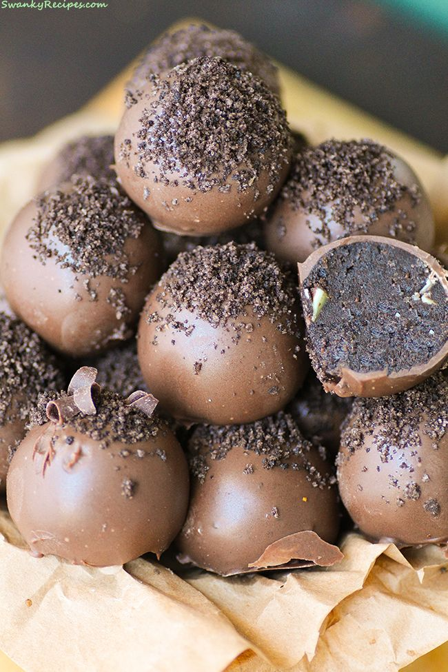 Mint Oreo Truffles Creamy Oreo cookies cheesecake truffles coated in milk chocolate with mint chocolate chips. Truffles are such a fun and easy dessert to