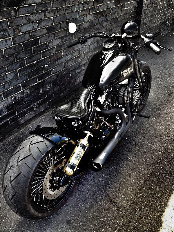 Harley Custom | repinned by www.BlickeDeeler.de | Follow us on www.facebook.com/blickedeeler