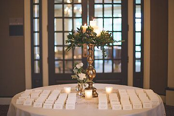 Sidelines escort card table by epago photo