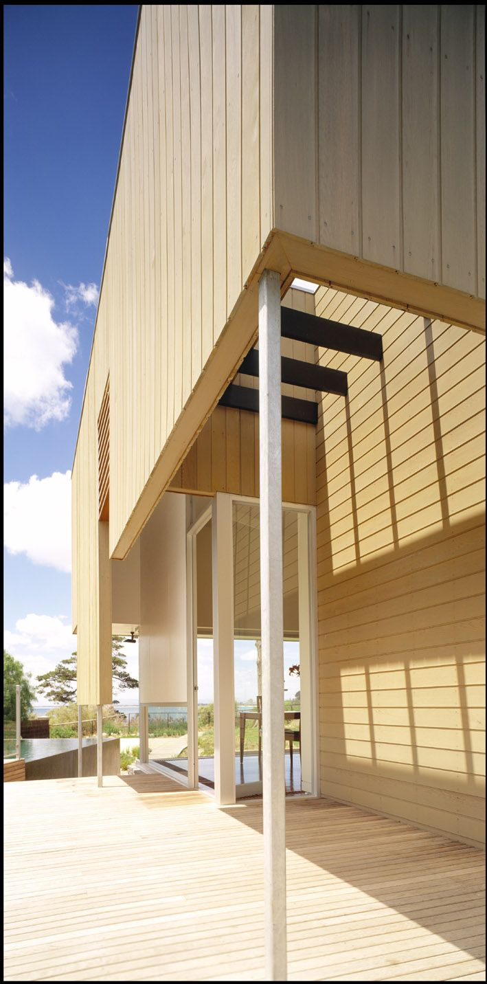 Cedar House. Mt Eliza House - Bird de la Coeur Architects
