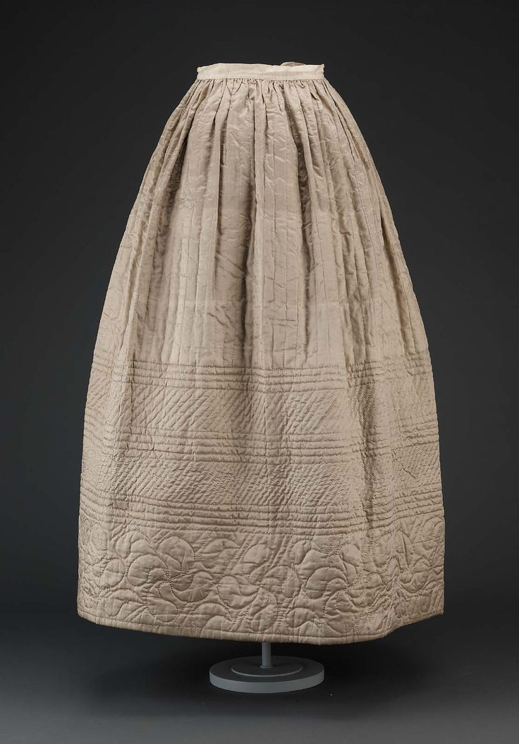 Petticoat | Museum of Fine Arts, Boston Silk satin quilted with cotton print lining, linen waistband, and metal hook and eye closure