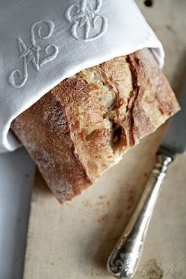 Fresh bread - love the monogrammed linen napkin.: French Summer, Daily Breads, Food Colors, Company Picnics, Summer Picnics, Monograms Linens, Baking Breads, French Breads, The Breads