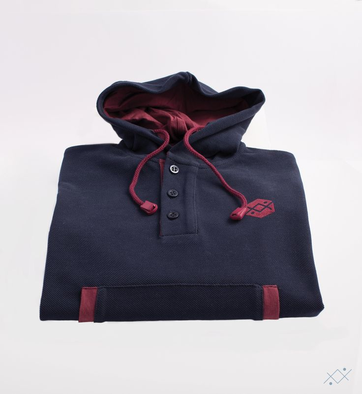 Heavy Piquet Hoodie made of 100% soft cotton. Contrast color jersey on hoodie linning and details.  Ocean Stitch - small details proudly made in Portugal