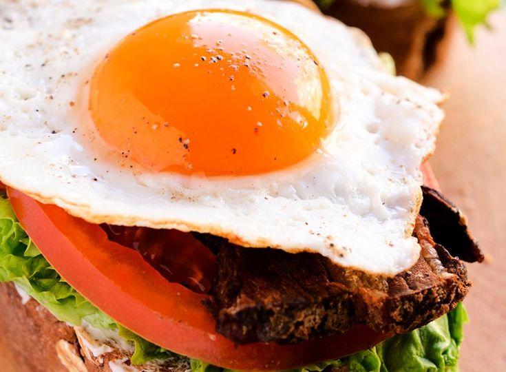5 retete delicioase de sandvisuri pentru micul dejun - www.foodstory.ro