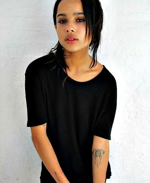 Zoe Kravitz. Its basically an Erudite tattoo on her arm!!