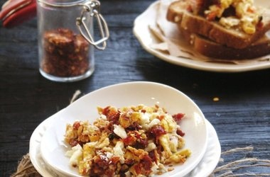 Scrambled Eggs with Sun-Dried Tomatoes and Feta — Punchfork