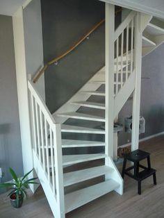 25 beste idee n over trap makeover op pinterest trap verbouwen trap leuning en leuning verbouwen - Entreehal met trap ...