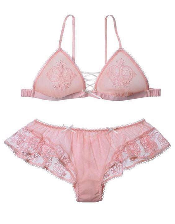 check out 9e3e6 42764 Raffinierte und erotische Angebote hier: | Corsella in 2019 ...