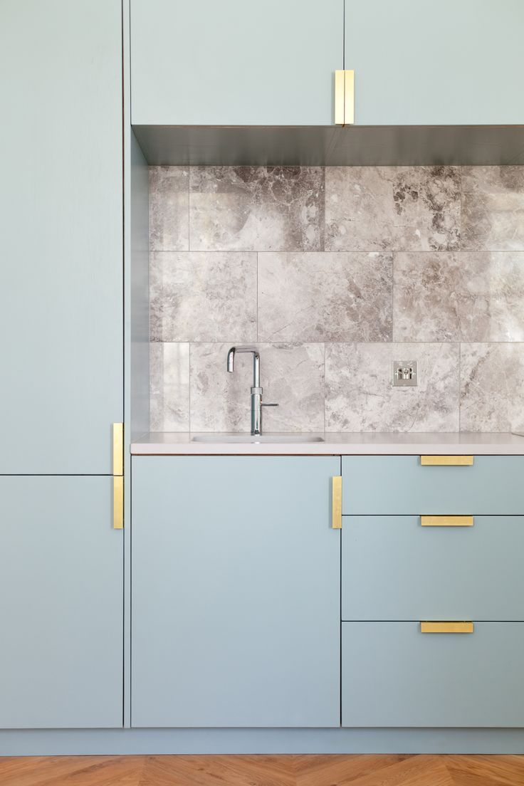 kitchen, marble, splashback, NAKED Kitchens, blue kitchen, bespoke brass handles