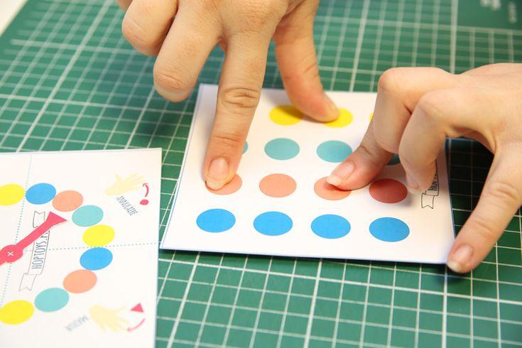 « Le jeu des doigts » : Même principe que « Twister » mais uniquement avec les doigts !