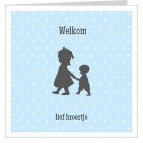 #geboortekaartje vierkant dubbel jongentje hand in hand met grote #zus. #geboortekaartjes #broertje #zusje #newborn. Bestel met code FB15 en ontvang 15% #korting.