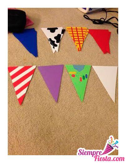 Ideas para fiesta de cumpleaños con los personajes de la película de Toy Story. Encuentra todos los artículos para tu fiesta de cumpleaños en nuestra tienda en línea: http://www.siemprefiesta.com/fiestas-infantiles/ninos/articulos-toy-story.html?utm_source=Pinterest&utm_medium=Pin&utm_campaign=ToyStory