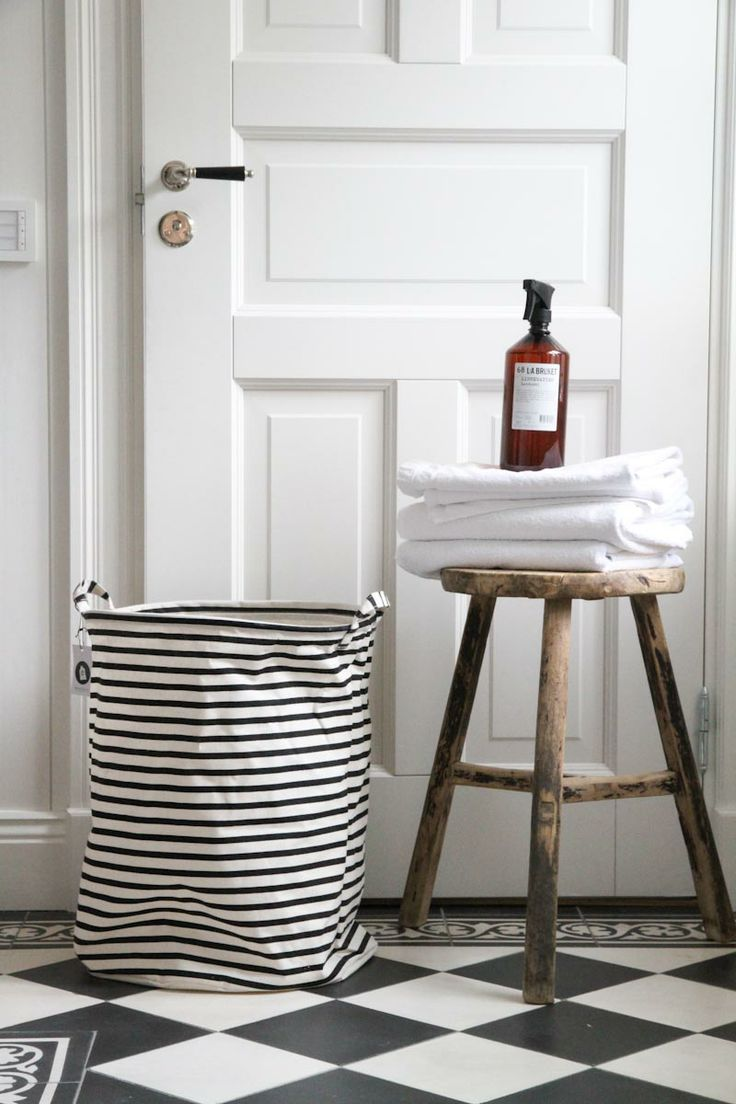 bathroom styling..http://www.bynoth.nl/c-2012451/bad/
