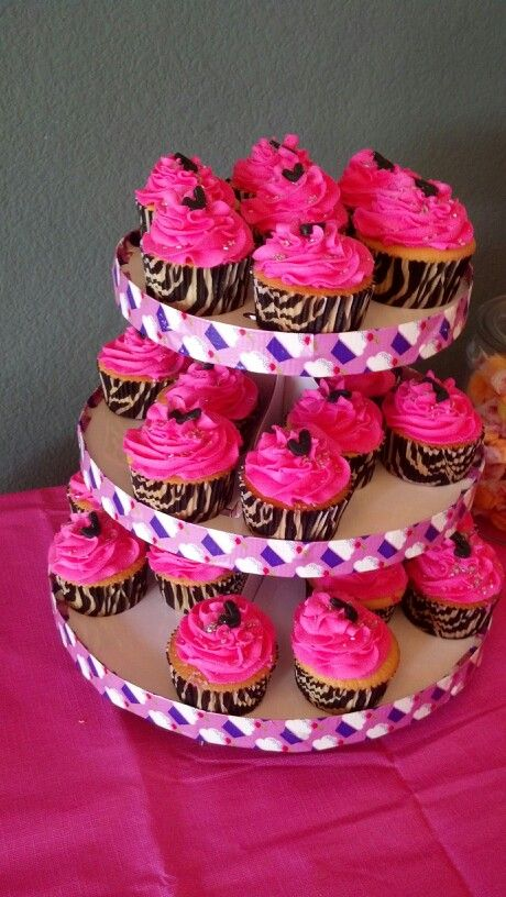 Hot pink cupcakes for Jenna