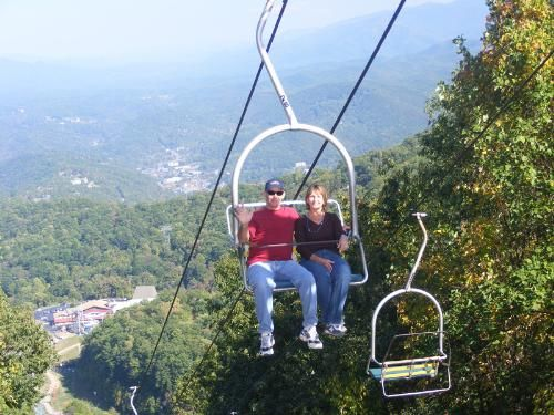 Book online and save on tickets for the Ober Gatlinburg Aerial Tramway. We have the best deals to all attractions in Gatlinburg and Pigeon Forge.