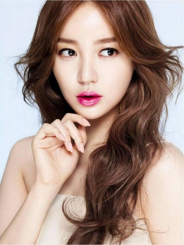 Korean Artist Hairstyles 2015 Park Shin Hye Long Curly