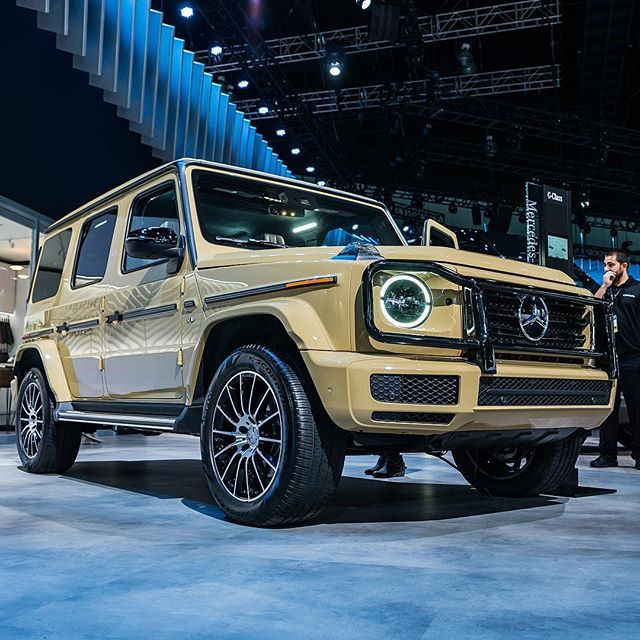 Describe The Color On This Mercedes Benz G Cl Best