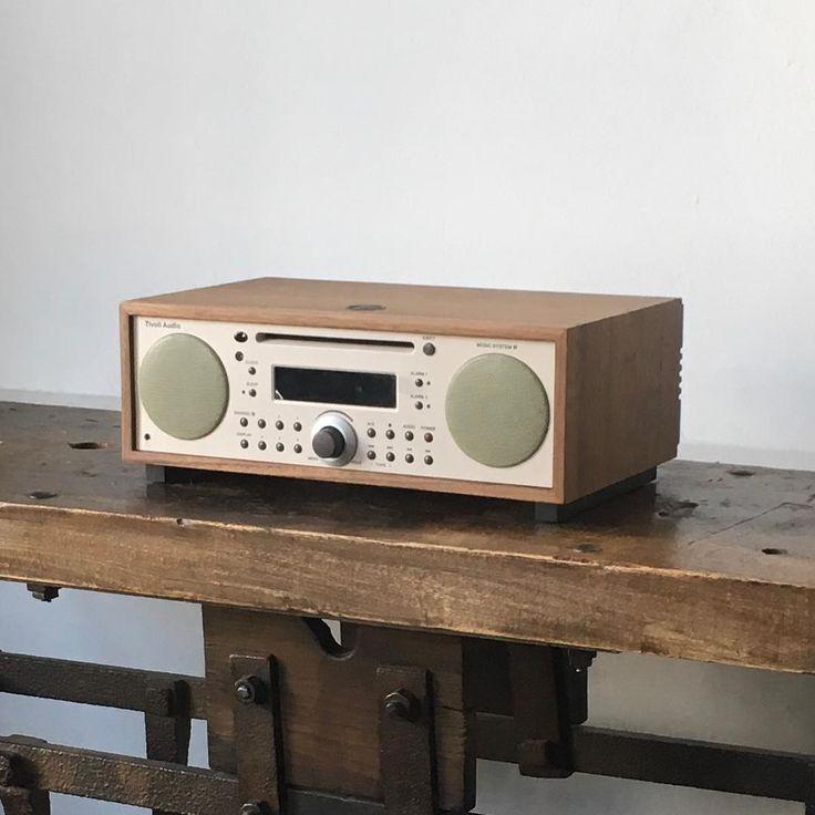 Tivoli Audioの特徴は、人の声をきれいに表現する「良質な音」、最新の技術が実現した「受信感度のよさ」、そして操作性を重視した「使いやすいデザイン」です。