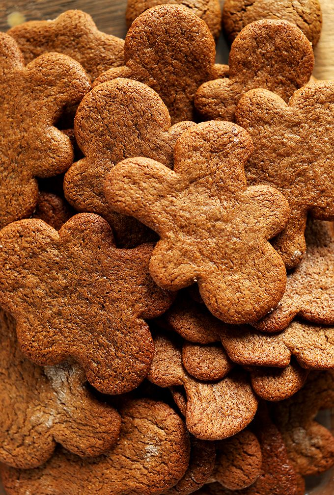 Vegan Gluten Free Gingerbread Men! Cut out & round cookie adaptable   minimalistbaker.com