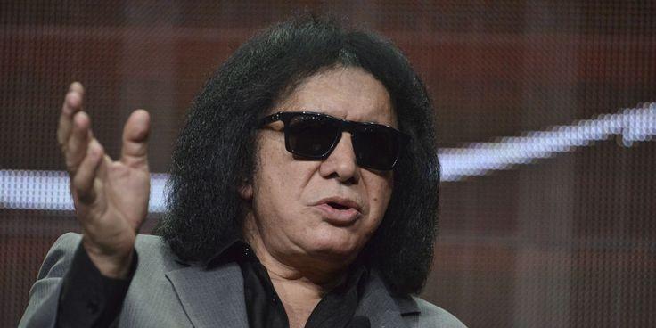 Джин Симмонс извиняется за заявления о суицидниках - http://rockcult.ru/gene-simmons-apologizes-for-telling-about-suicide/